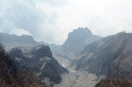 Letusan Gunung Kelud Sebabkan Kepanikan Massal