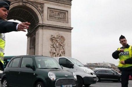 Atasi Polusi, Warga Prancis Hanya Boleh Pakai Mobil Dua Kali Sehari