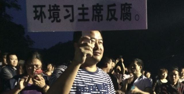 53 Aktivis Lingkungan Saat Melakukan Demonstrasi di China