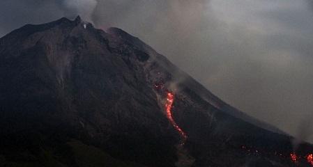 Gunung Sinabung Kembali Meledak, Warga Diimbau Untuk Tidak Panik