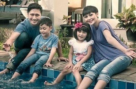 Arie Untung & Fenita Bekalkan Pendidikan Lingkungan pada Anaknya