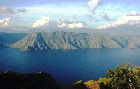 DPR Desak Perlindungan Danau Toba