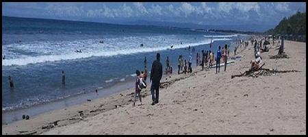 Pantai Kuta Diserbu Sampah, Pengunjung Mengeluh
