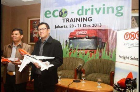 TNT Indonesia & Polda Metro Jaya Gelar Pelatihan Eco-Driving