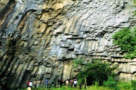 Batu Dinding Kilo Tiga, Surganya Pemanjat Tebing