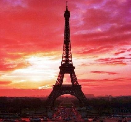 Aksi Earth Hour 2015, Menara Eiffel Hanya Padamkan Lampu Selama Lima Menit