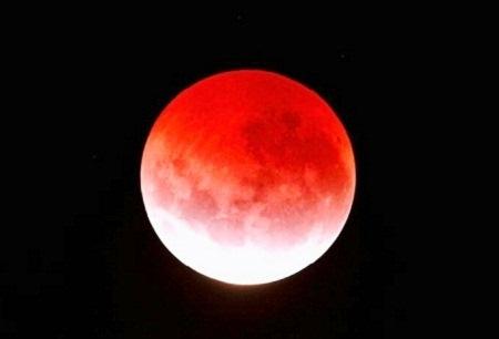 Gerhana Bulan Merah Darah Indikator Polusi Udara yang Buruk