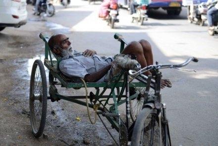 Suhu India Bak Berada dalam Oven, 1.118 Orang Tewas