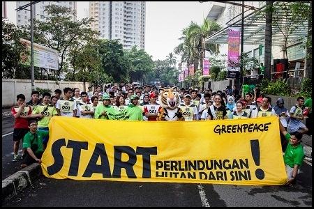 Ratusan Supporter Greenpeace Bersama Artis Papan Atas Gelar Run Forest Run di Jakarta