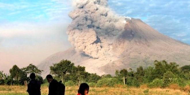 "Status Gunung Sinabung Naik Menjadi ""Awas"""