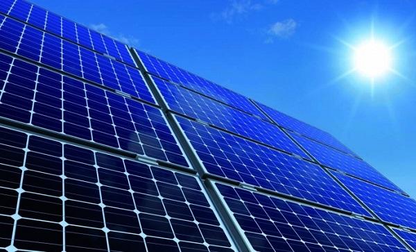 Energi Matahari, Solusi Alternatif Energi Terbarukan di Indonesia