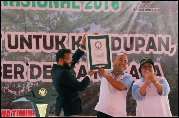 Indonesia Catat Rekor Dunia Penanaman Pohon Serentak
