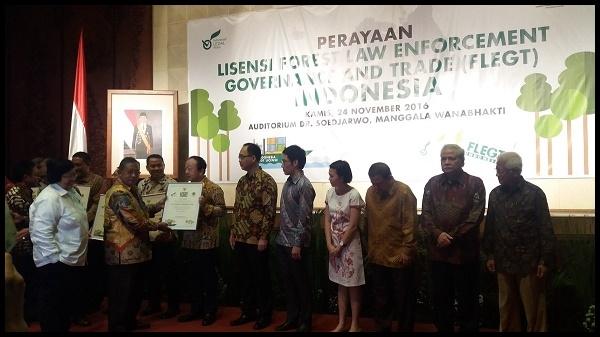 Pertama Di Dunia, Indonesia Peroleh Lisensi FLEGT
