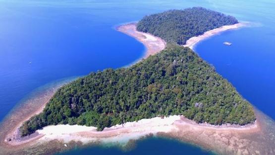 Mengenal Keindahan Pulau Bulu Poloe, Luwu Timur