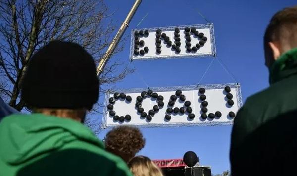 Bawa Batu Bara pada COP 23, Trump Kembali Tuai Kecaman Dunia