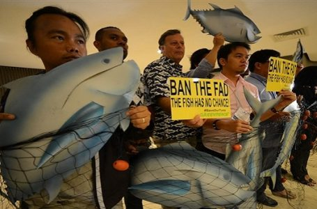 Aktivis Greenpeace melakukan Demonstrasi pada Sesi Reguler Ke-9 dari Komisi Perikanan Pasifik Barat dan Tengah (WCPFC) di Manila. (Gambar: greenpeace.org.au)