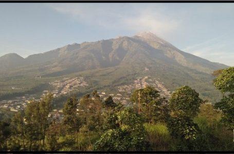 Keadaan Gunung Merapi yang masih terjadi hujan abu tipis hari ini (3/6/2018) pada pukul 05:50 WIB (Sumber: BPPTKG)