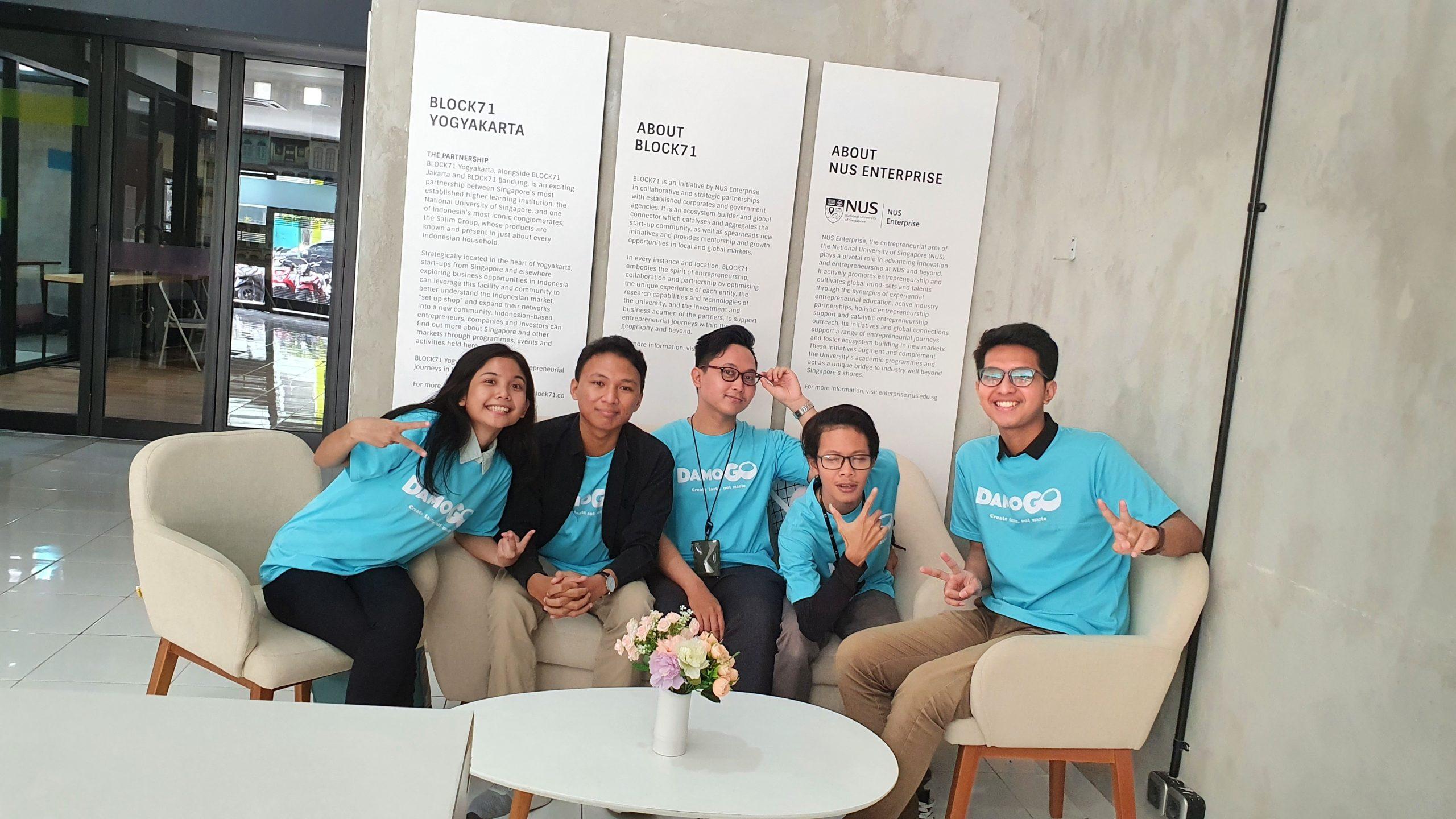 [:en]Tim DamoGO Indonesia, start-up yang dikembangkan oleh Lin Hwang dan dan Muhammad Farras sejak September 2018 (Foto: DamoGO)[:]